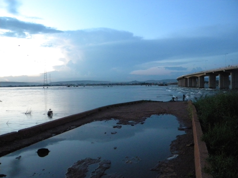 Niger river fleuve old bridge Bamako