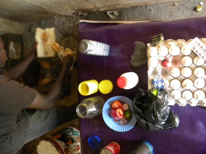 Mali Bamako breakfast egg sandwich street food prep