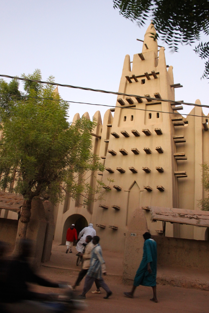 Mopti Mali Sahel Sudo architecture traditional mud mosque