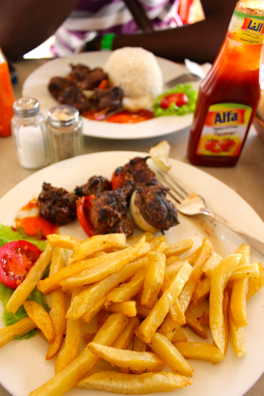 Mali Segou brochette beef meat kebab frites fries lunch local cuisine