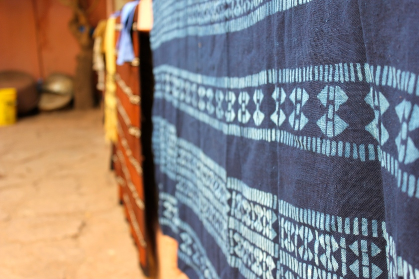 Bamako indigo fabric dye workshop blanket blue