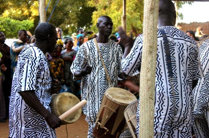 Mali Segou festival Niger music concert musician traditional fabric dress drum