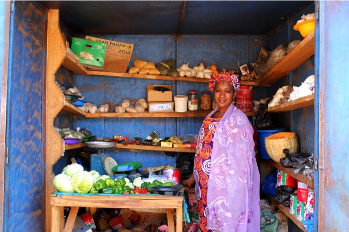 Mali Bamako neighborhood vegetable stand fruit woman saleswoman city