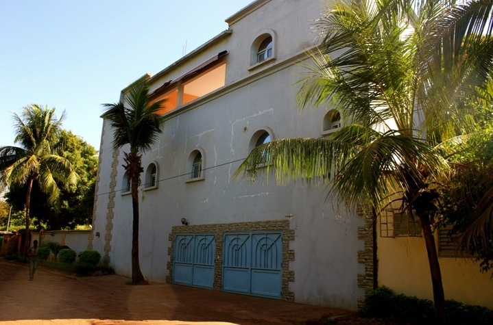 Bamako Mali street home house neighborhood architecture