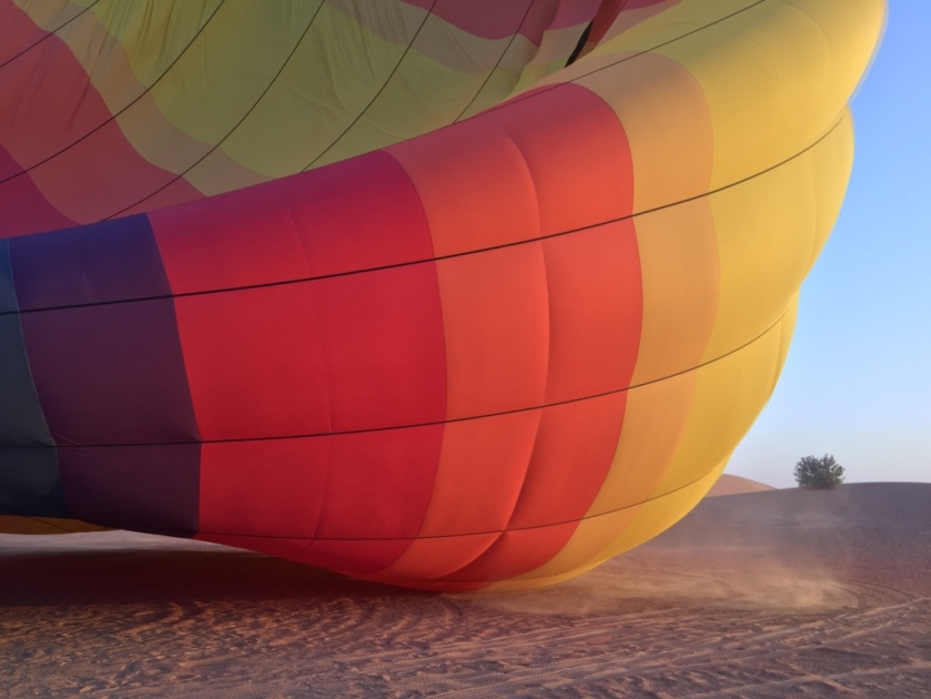 uae dubai hot air balloon desert sand